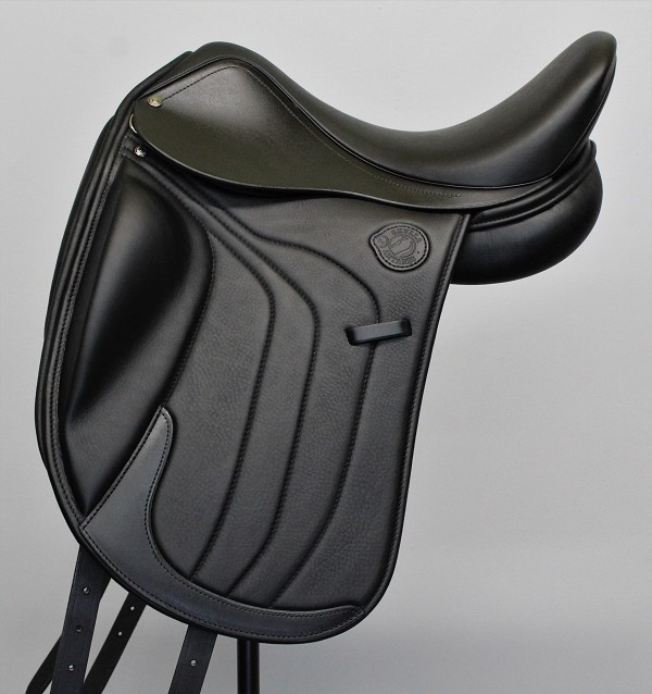 Skylla by Antares - Dressage model - click for promotion details!